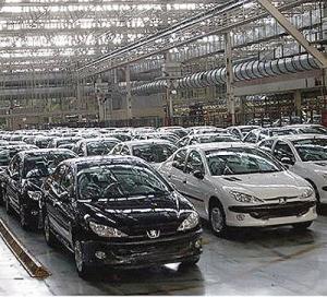 خودروسازی همیشه گاو شیرده دولت بوده است / سه عامل کاهش تولید خودرو