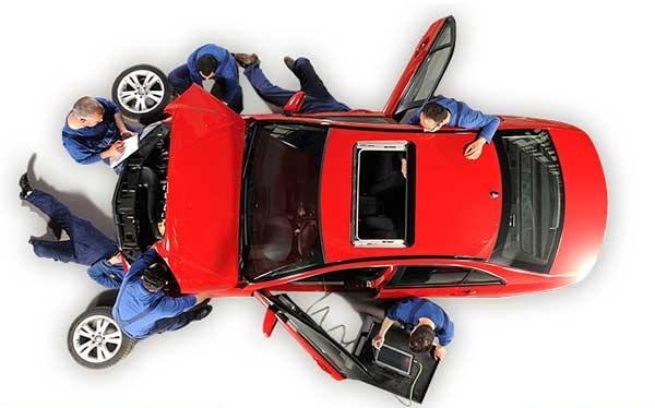 خودروسازان باید برای کاهش هزینه تولید تلاش کنند